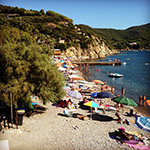 spiaggia enfola portoferraio, auroraciardelli on instagram